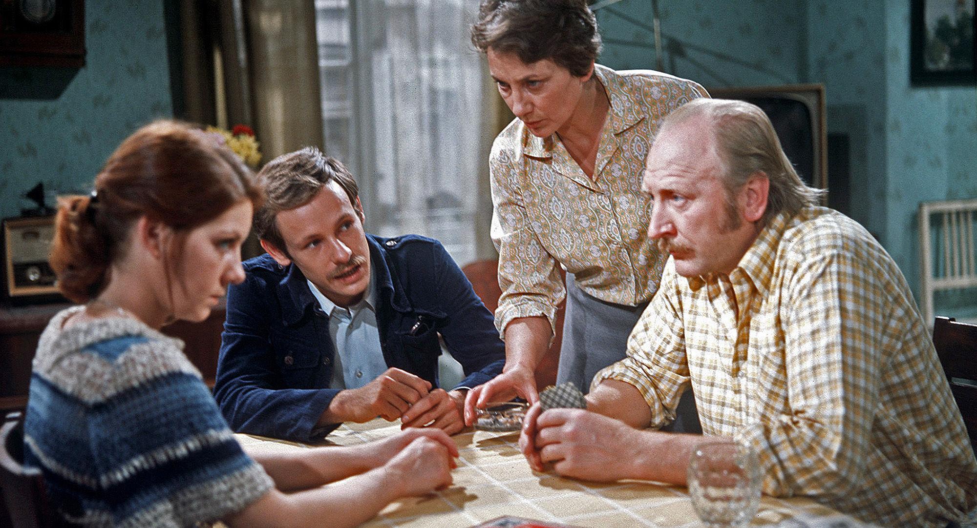Hanni (Erika Deutinger), Franzi (Alexander Wächter), Toni (Ingrid Burkhard), Mundl (Karl Merkatz)
