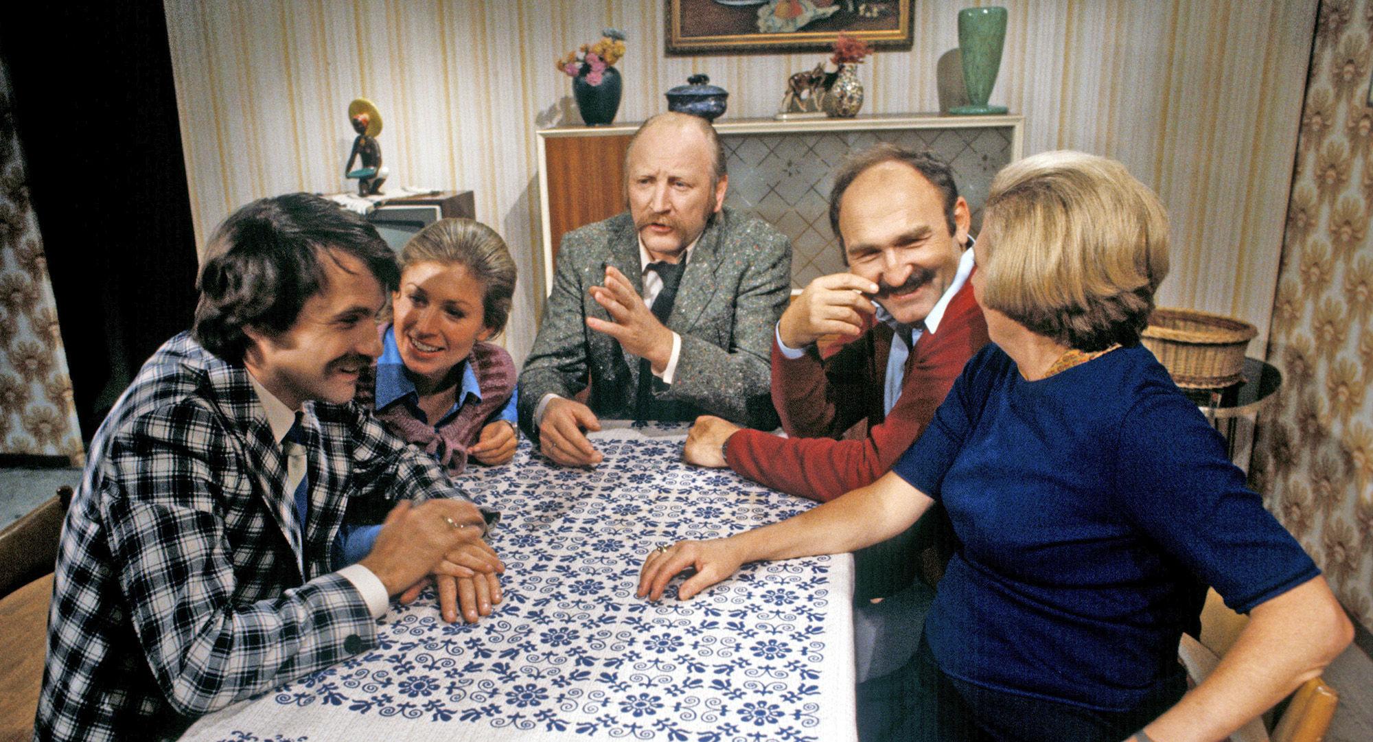 Karli (Klaus Rott), Irmi (Liliana Nelska), Mundl (Karl Merkatz), Herr Werner (Jaromir Borek), Martha Werner (Ilse Hanel)