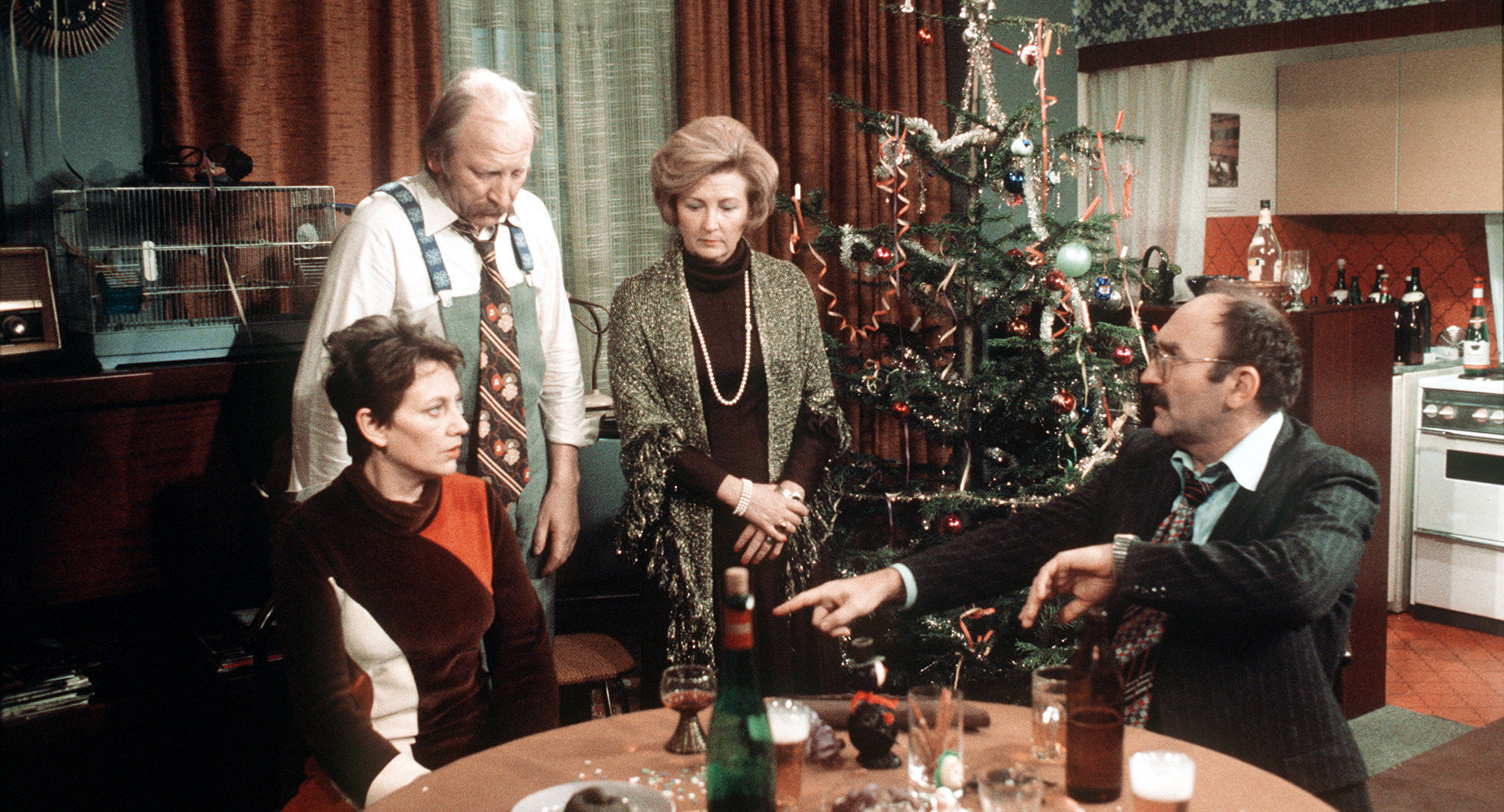 Toni (Ingrid Burkhard), Mundl (Karl Merkatz), Martha Werner (Ilse Hanel), Herr Werner (Jaromír Borek)