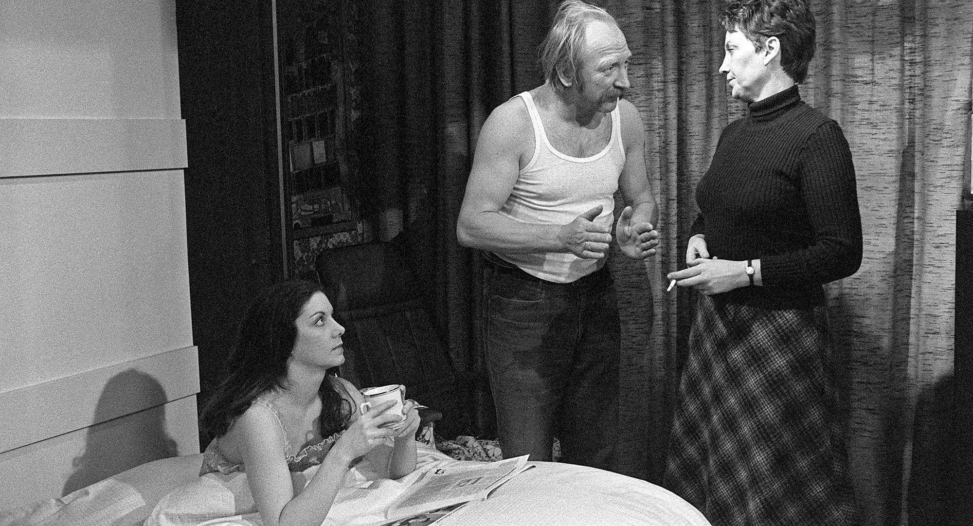 Hanni (Erika Deutinger), Mundl (Karl Merkatz), Toni (Ingrid Buckhard)