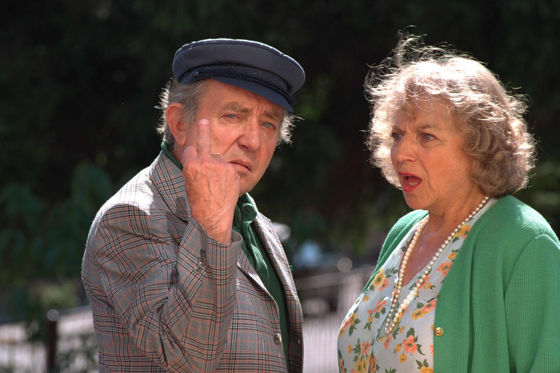 Hans Clarin (Hennys Vater), Monika John (Hennys Mutter)