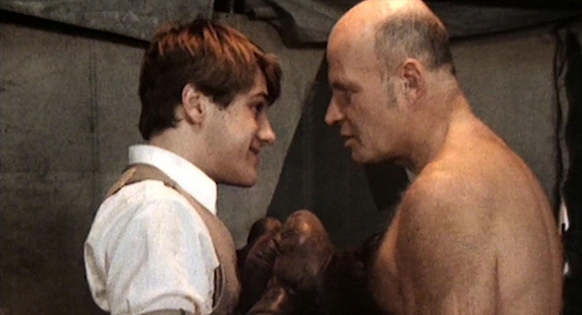 Christoph Waltz (Ede), Peter Kuiper (Jahrmarkts-Boxer)