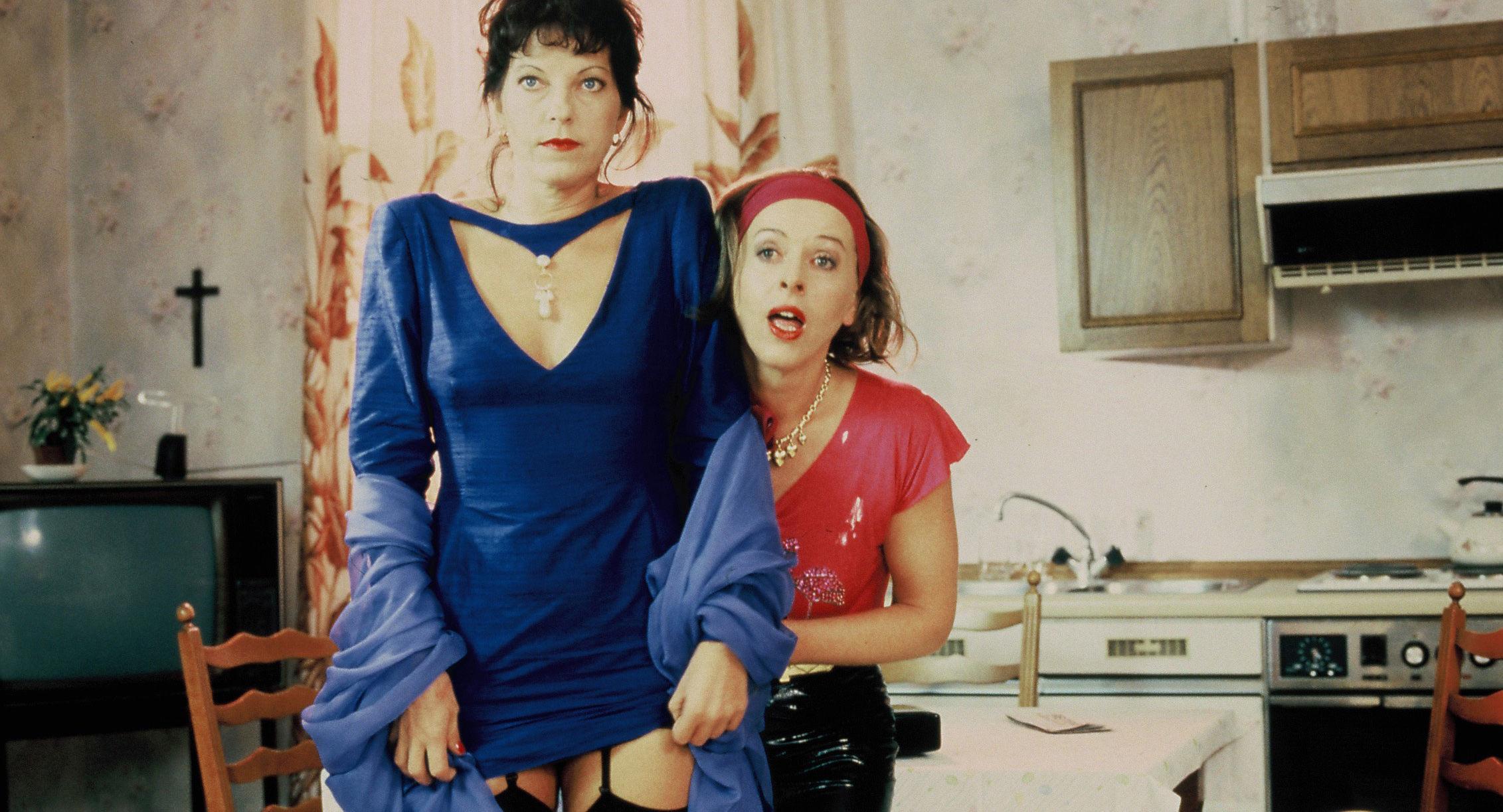 Elfi Eschke (Ilona), Milena Zupancic (Mizzi)