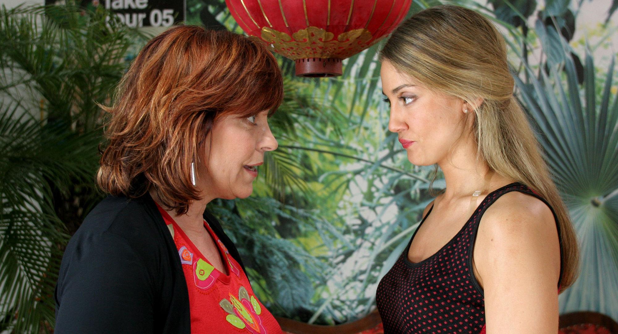 Elfi Eschke (Jackie Hecht), Nicole Ennemoser (Maria Hecht)