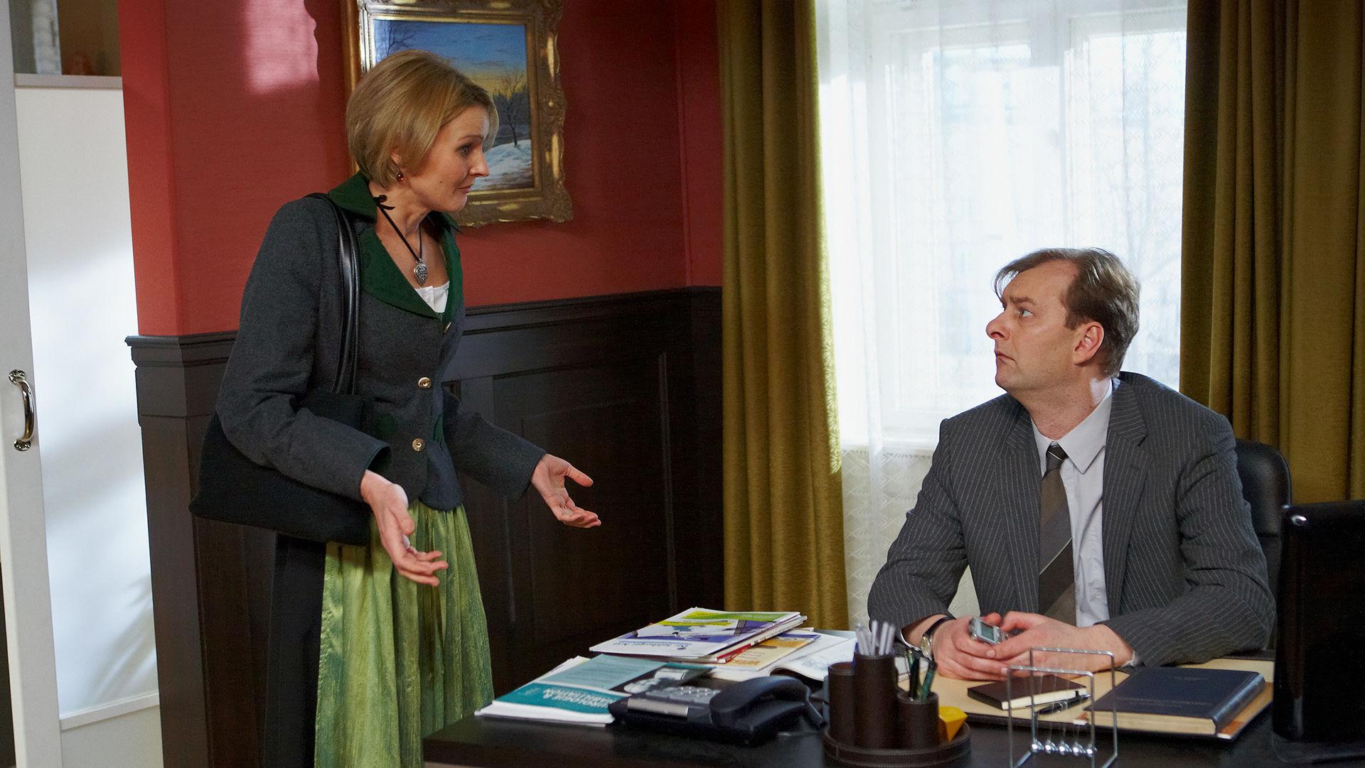 Hanna Linhart (Rezeptionistin Eva), Alexander Jagsch (Dr. Sigmund Leidowitz)