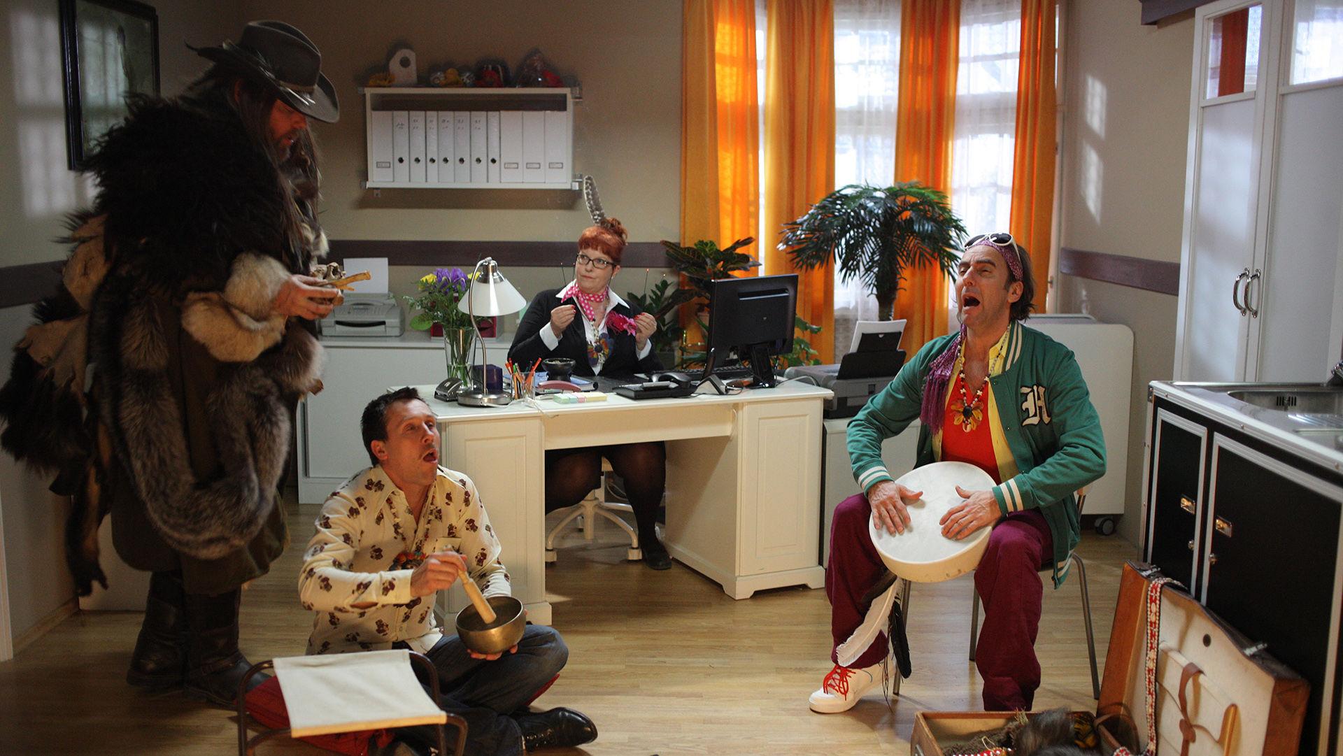 Torsten Münchow (Vitali), Martin Oberhauser (Jussuf Kerschbaumer), Elfi Eschke (Lilli Buxenschutz), Dieter Landuris (Herr Müller)