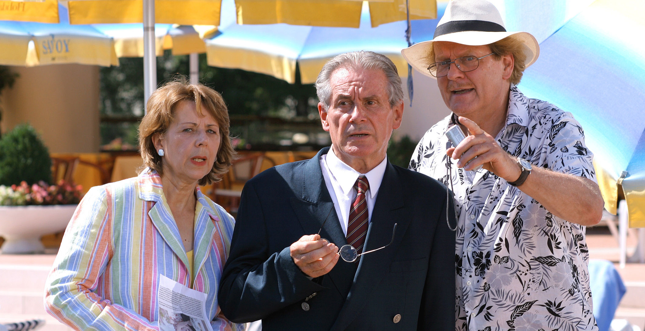 Uschi Wolff (Roswitha Gold), NN (Hoteldirektor), Peter Fricke (Albert Summer)