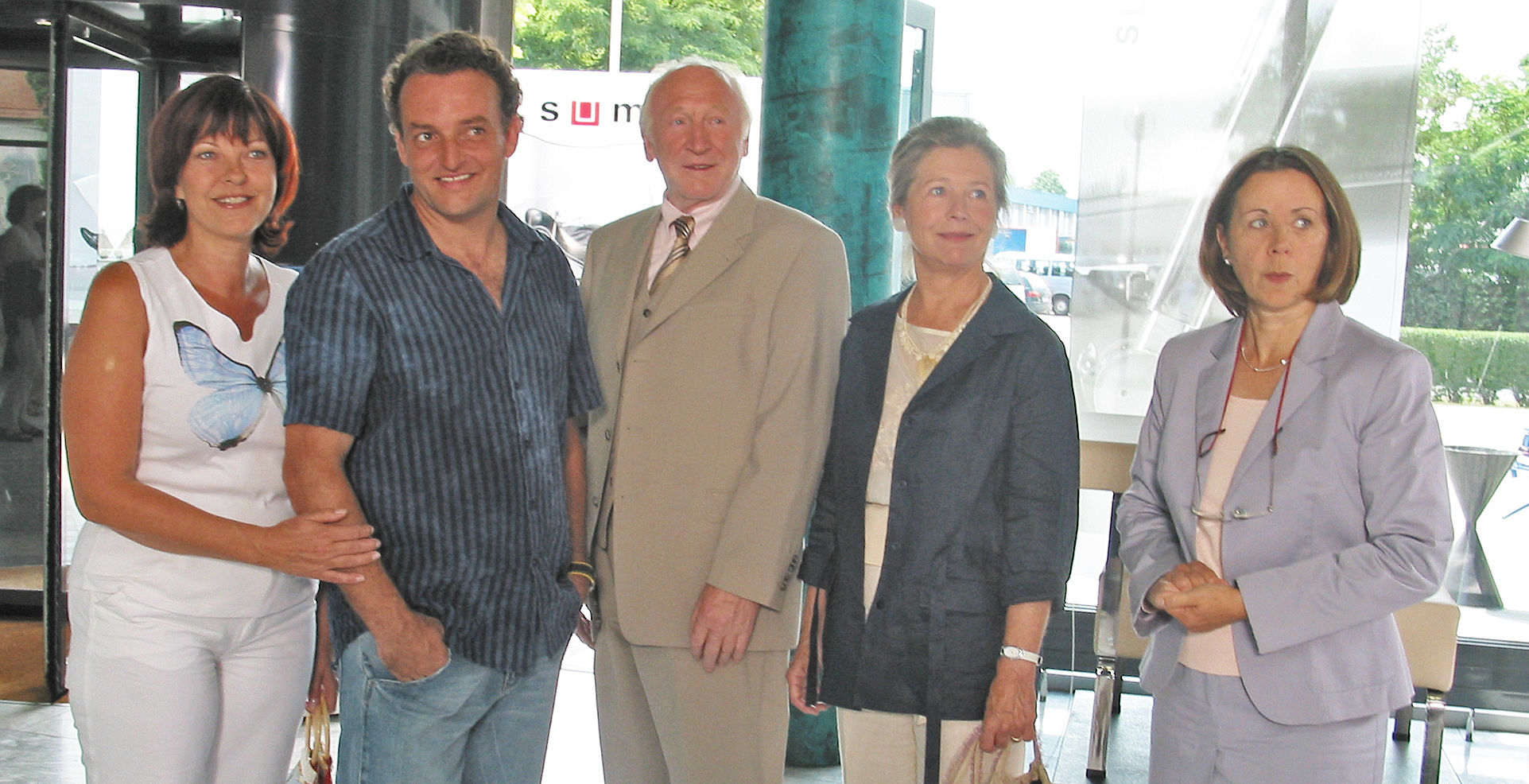 Conny (Elfi Eschke), Freddy (Marco Rima), Paul (Karl Merkatz), Sandra (Helma Gautier), Frau Gold (Uschi Wolff)
