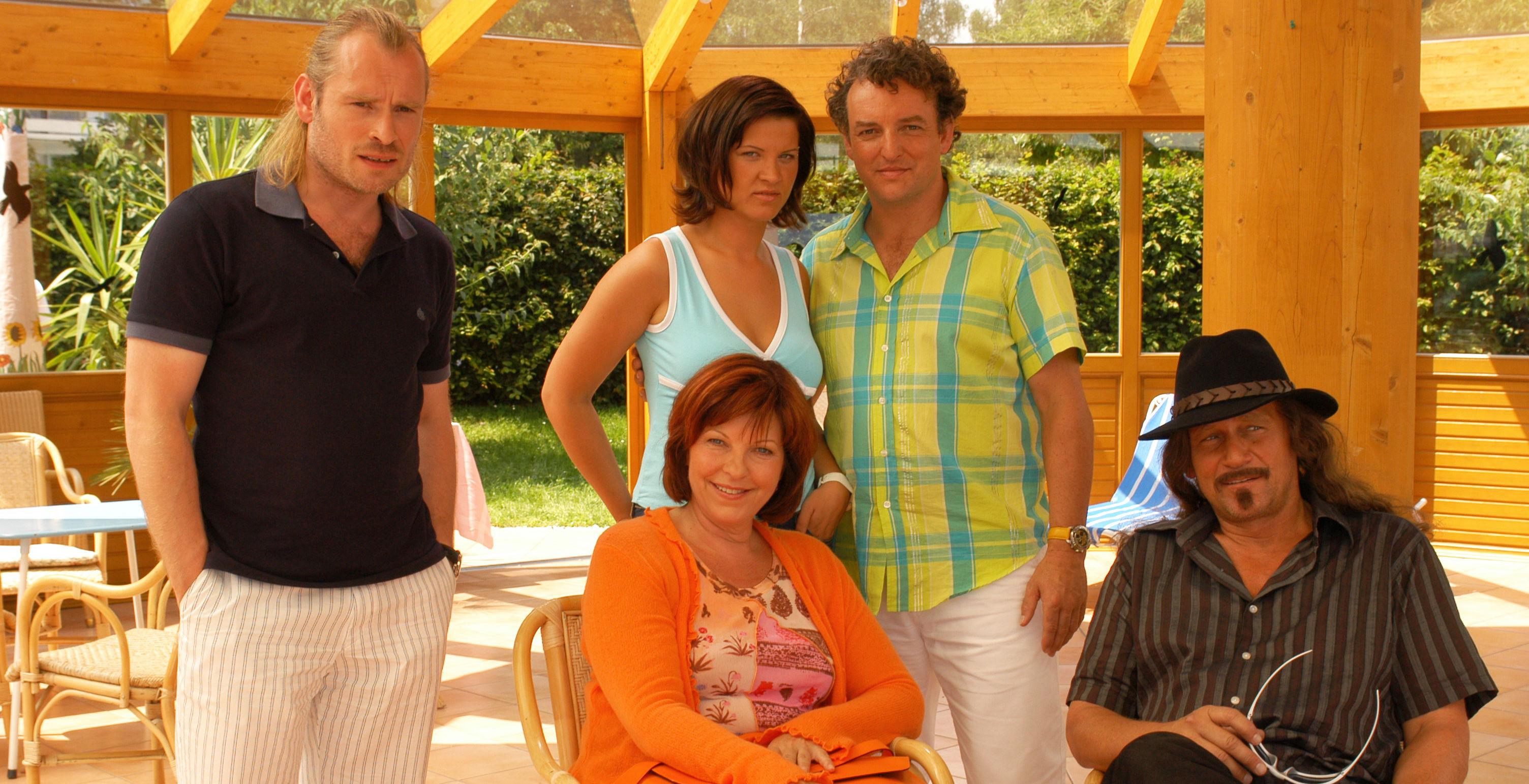 Rene (Johannes Krisch), Conny (Elfi Eschke), Shark (Magdalena Rentenberger), Freddy (Marco Rima), Larry (Rainhard Fendrich)