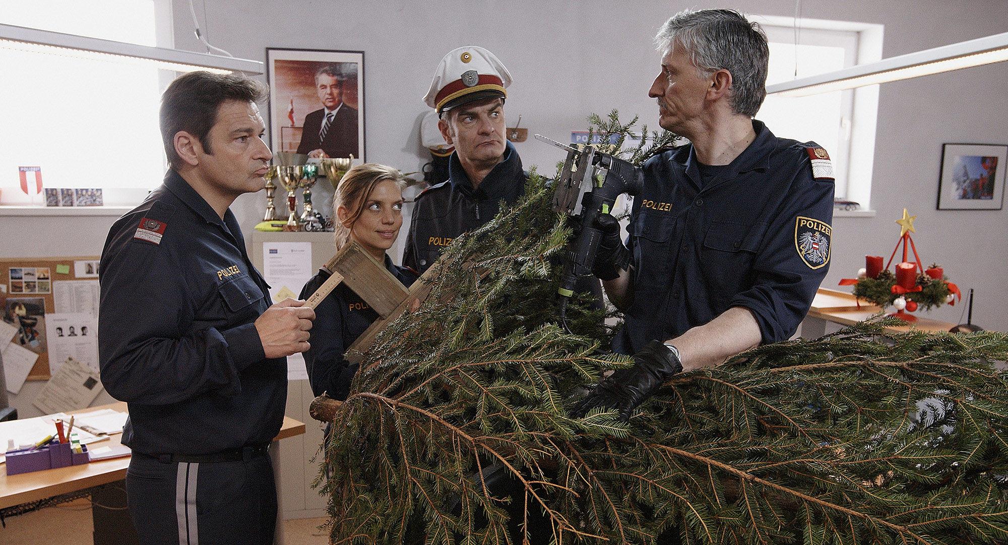 Andreas Steppan (August Horrowitz), Martina Schwab (Arabella Hürner), Heinrich Schafmeister (Udo Maulhart), Manfred Dungl (Traugott Pimpf)