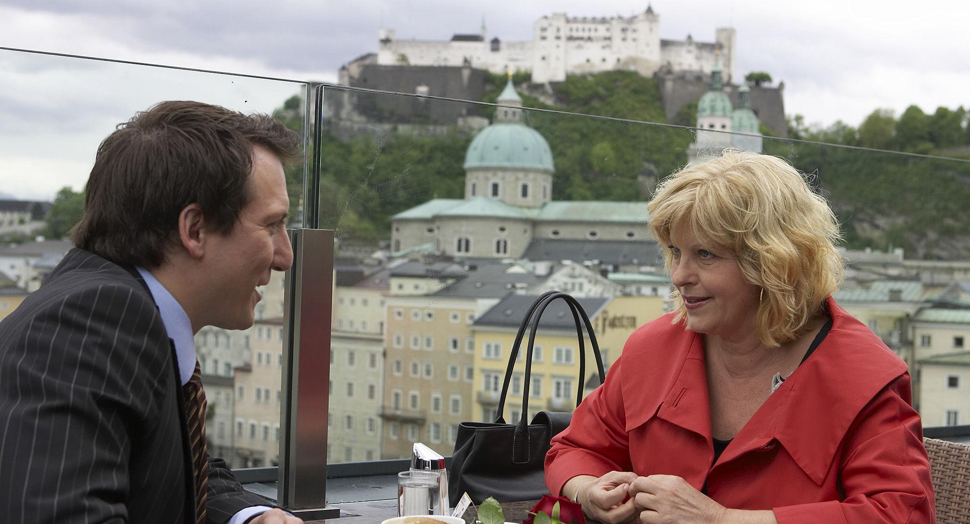 Robert Palfrader (Sarahs Date), Elfi Eschke (Sarah Horrowitz)