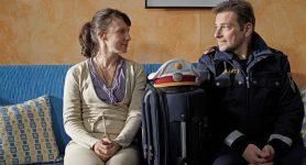 """Oben Ohne – Staffel 4 – Folge 23 """"Bettenrochade"""""""