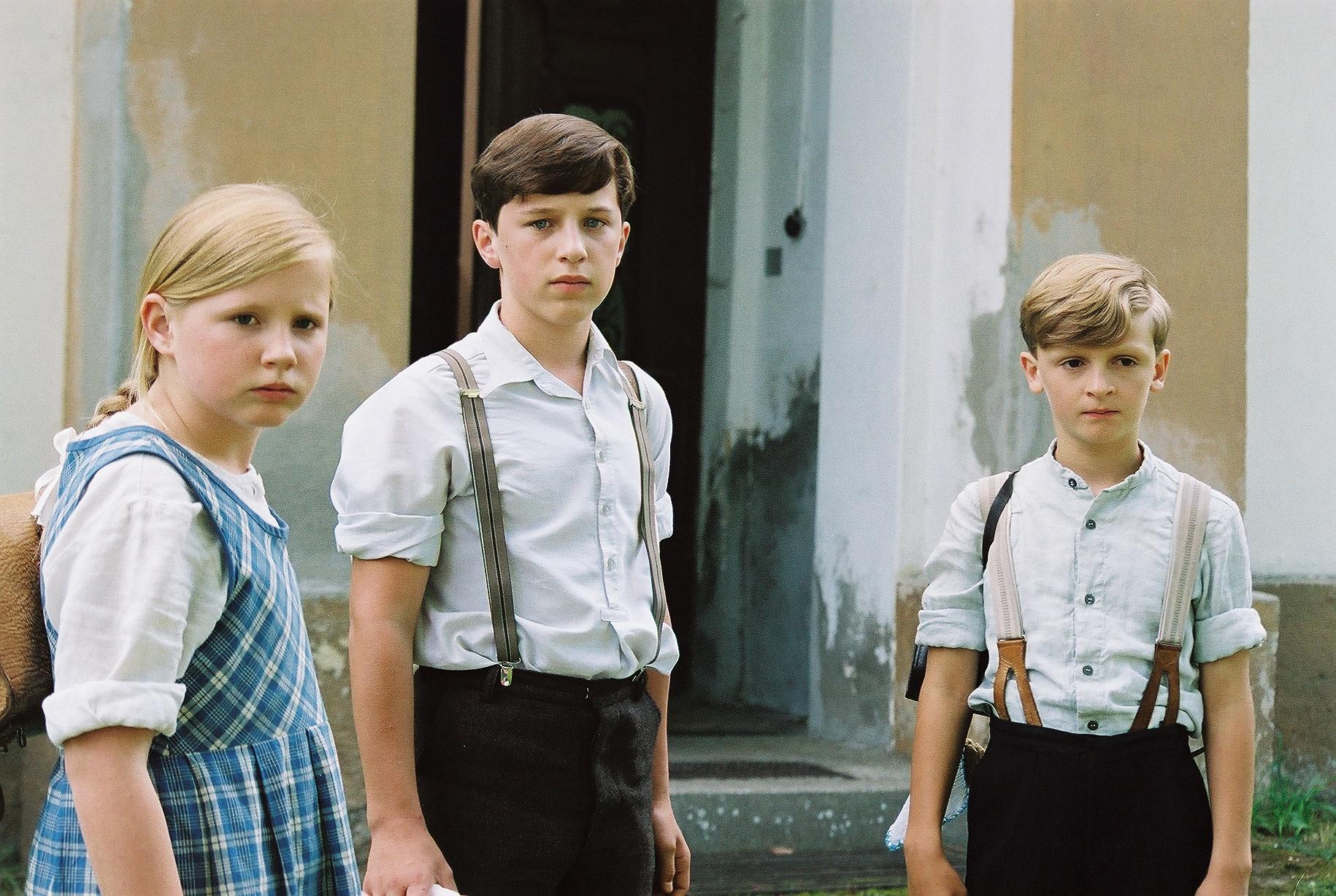 Annemarie Lechner (Elfie), Lorenz Strasser (Toni Goldwascher), Luis Huber (Herbert)