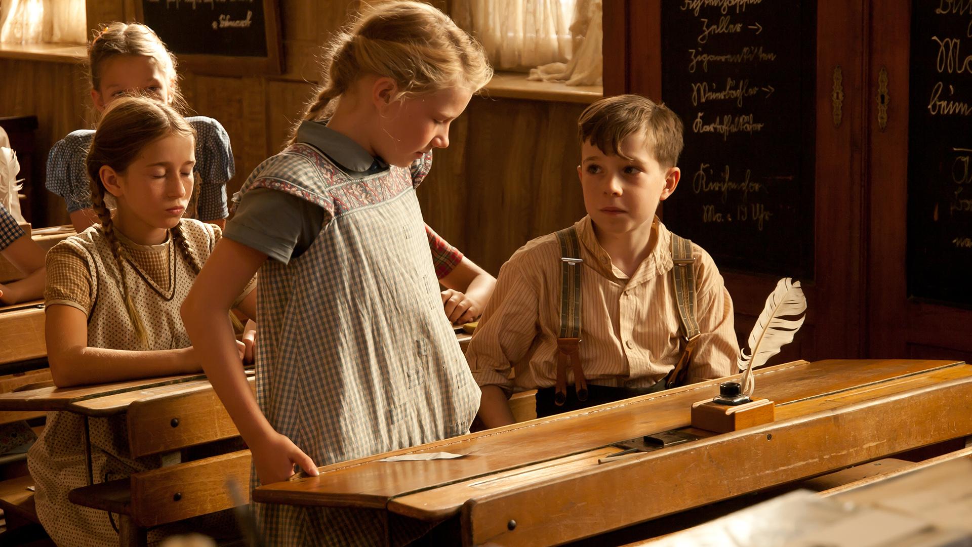 Biggi (Julia Forstner), Tom (Benedikt Weber)